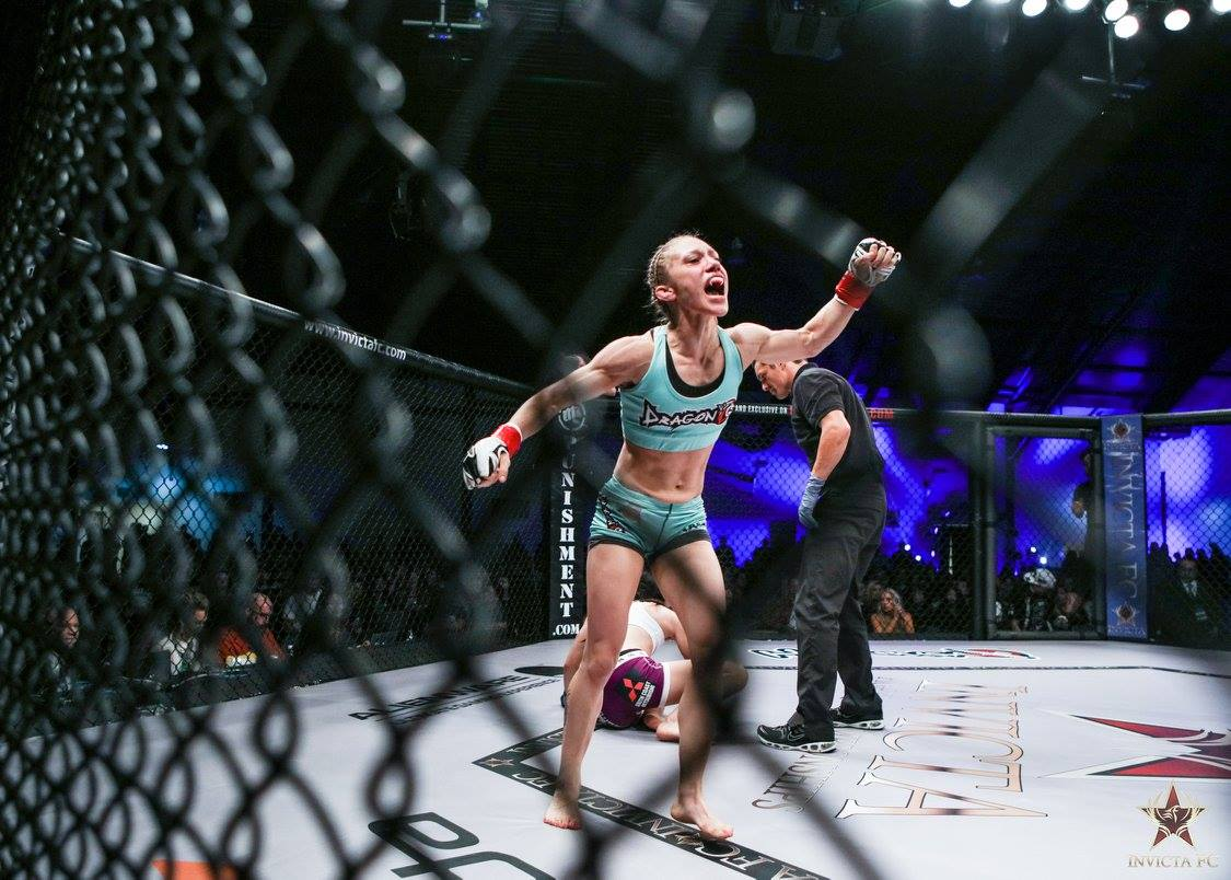 Amber Brown at Invicta FC15 by Scott Hirano