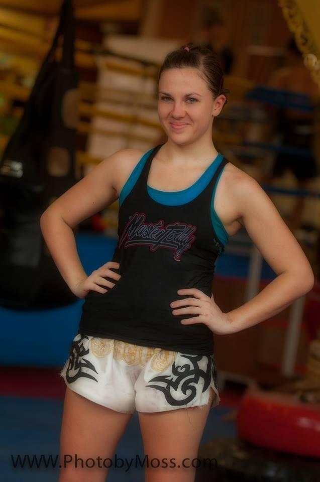 Emma thomas muay thai awakening fighters