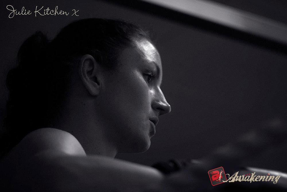 Julie Kitchen 5